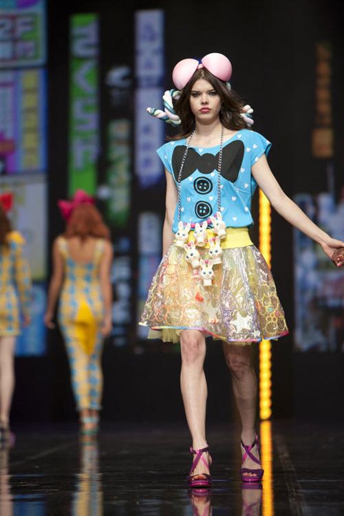 Headpiece — Harajuku catwalk, London Clothes show, june 2010